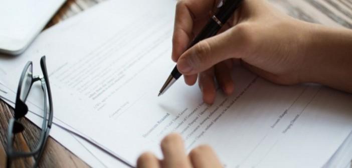 خرید و فروش ملک با وکالتنامه به چه صورت است؟